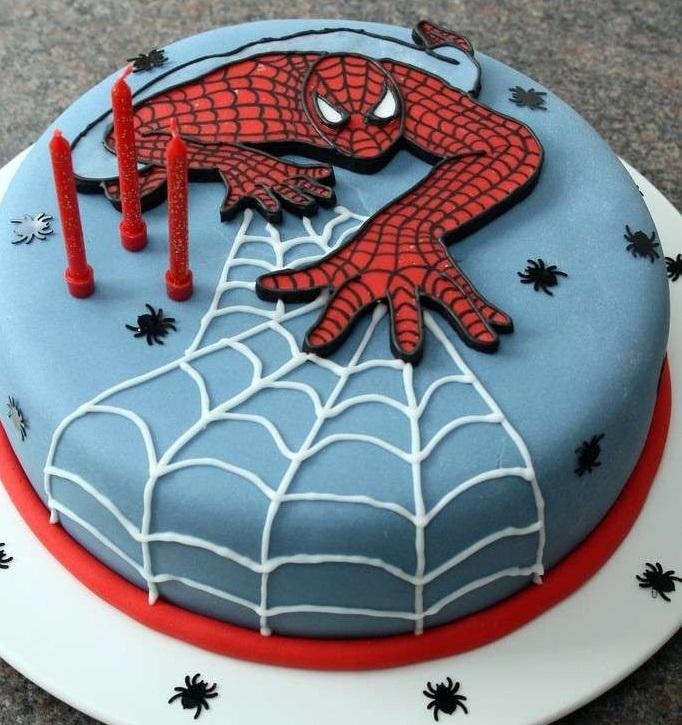 torta per festa di compleanno a tema Spiderman