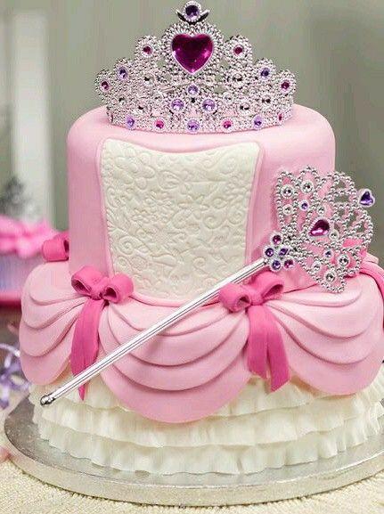 torta di compleanno per bambine principesse