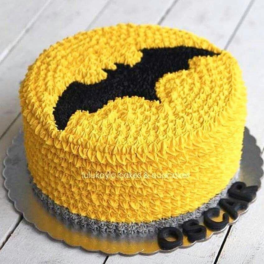 torta per festa di compleanno a tema Batman